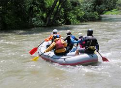 Rafting-Tour auf Fluss in Bayern